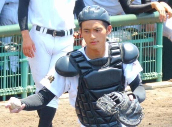 【画像・動画】岡田健史は創成館高校出身で甲子園出場?野球部時代がかっこいい!
