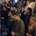 ノートルダム大聖堂火災でのパリ市民歌声